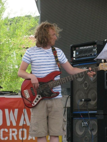 Bass for Rogan set